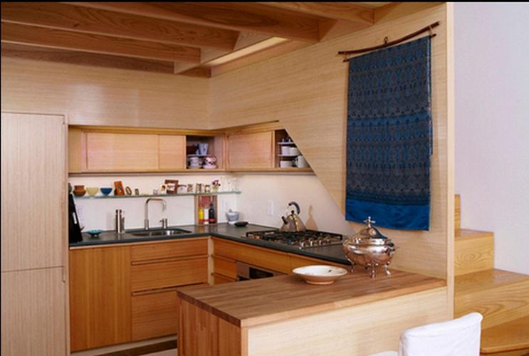 маленькая кухня в квартире с фото