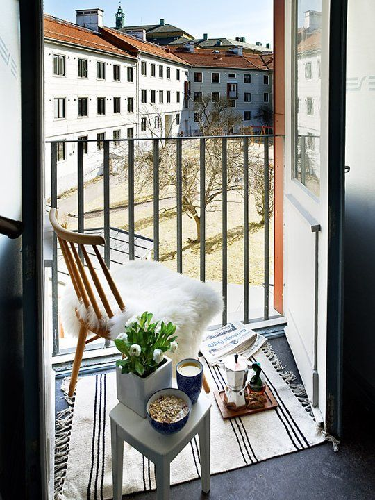 Decorating Ideas For Small Apartment Balcony