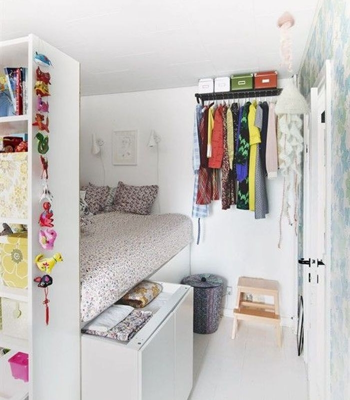 Ko w salonie aran acje pomys y projekty i for Very small bedroom solutions & Design Dozen 12 Clever Space Saving Solutions For Small Of Very ...
