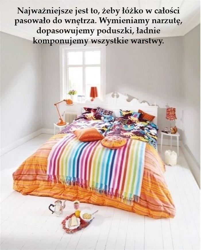 Łóżko_w_salonie_pomysły_aranżacje_kokopelia_e1
