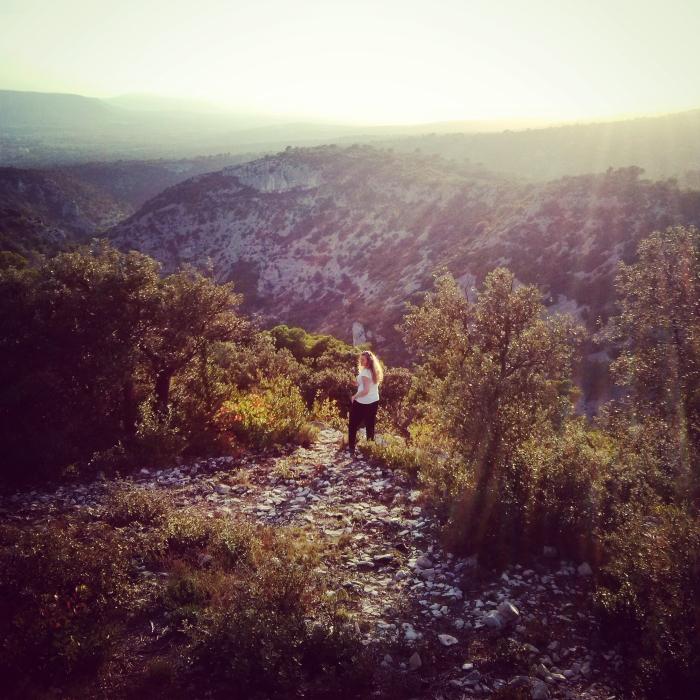 skaczacy_przez_lawende_prowansja_kokopelia_ (6)